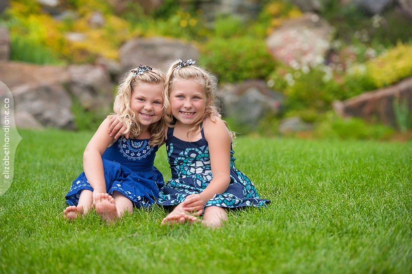 Ottawa Famiy Portrait by Liz Bradley of elizabeth&jane photography https://elizabethandjane.ca