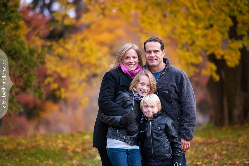 Family photography in Ottawa photographed by Liz Bradley of elizabeth&jane photography
