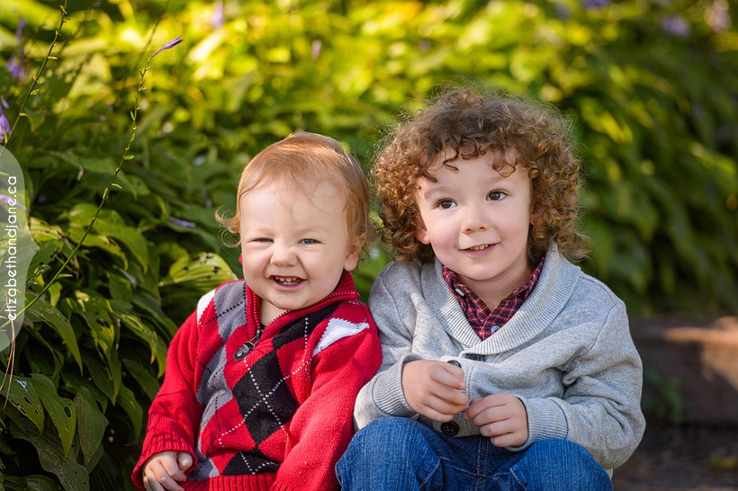 Felix & Aidan photographed in Ottawa by Liz Bradley of elizabeth&jane photography