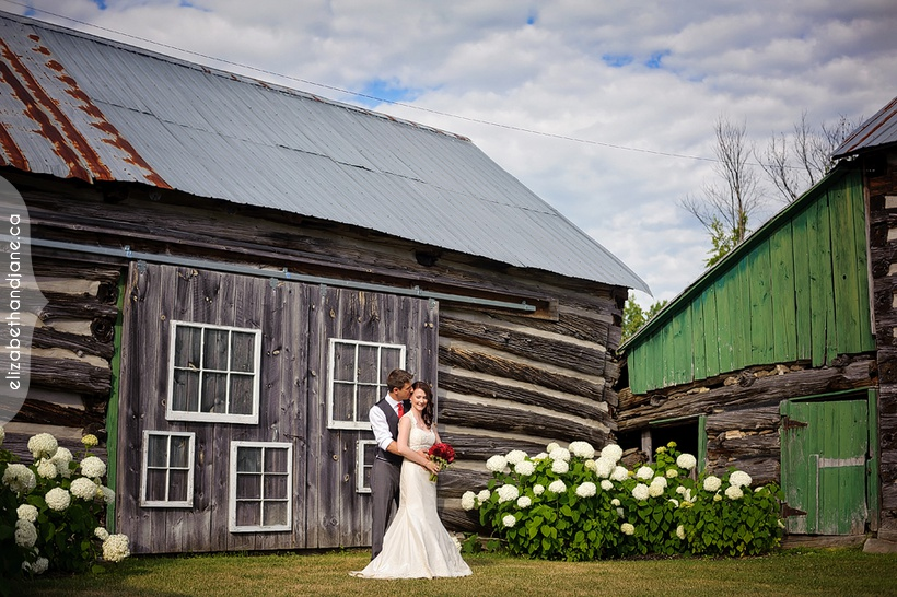Marie and Michael's Wedding at Stonefields Heritage Farm in Ottawa photographed by Liz Bradley of elizabeth&jane photography